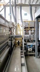 Automatická dvouřadá linka pro nanášení galvanické zinku a kadmia na ocelové dílce na závěsech