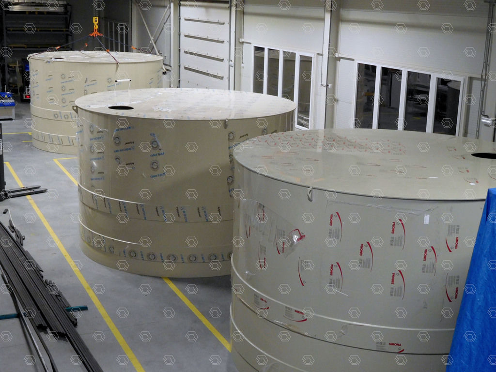 Accumulation and retention tanks